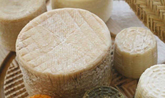 Poncelet, 2.500 kilos de queso entre tienda, restaurante y cueva de afinación